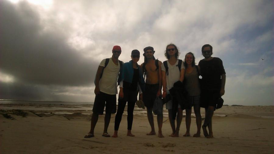 Da esquerda para a direita, Júlia, Laurent, Linnus, Marianne e o guia Patrício