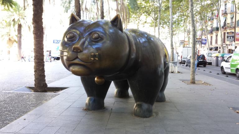 Gato do escultor colombiano Fernando Botero nas ramblas de El Raval