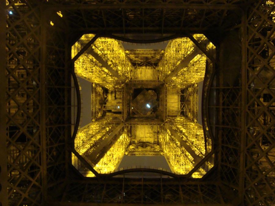 Debaixo da torre