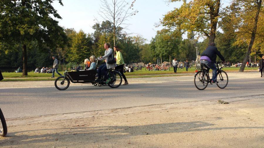 Olha aí uma família de bike
