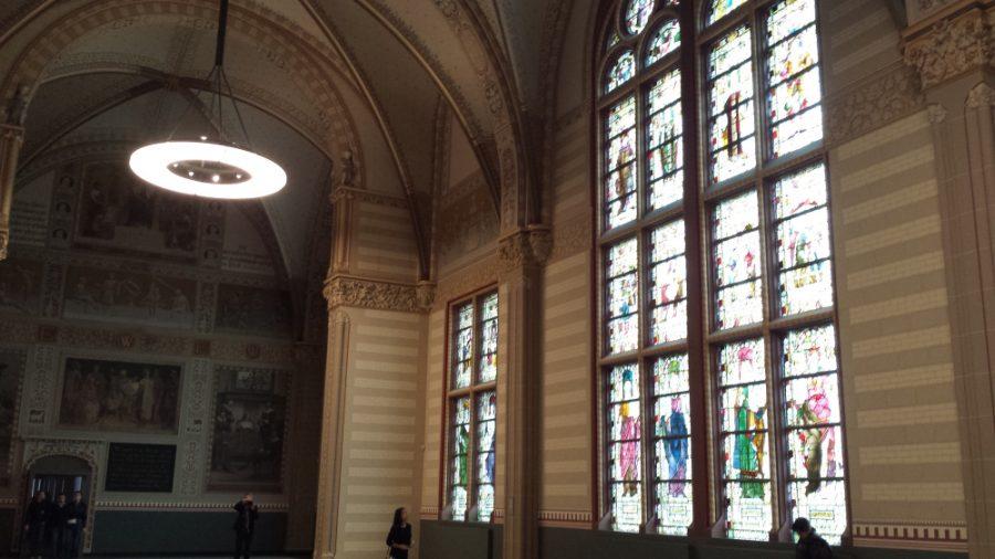 Os vitrais da antiga igreja