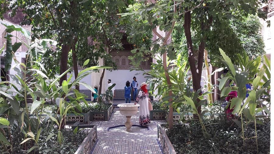 Jardim interno no lindo palácio Bahia