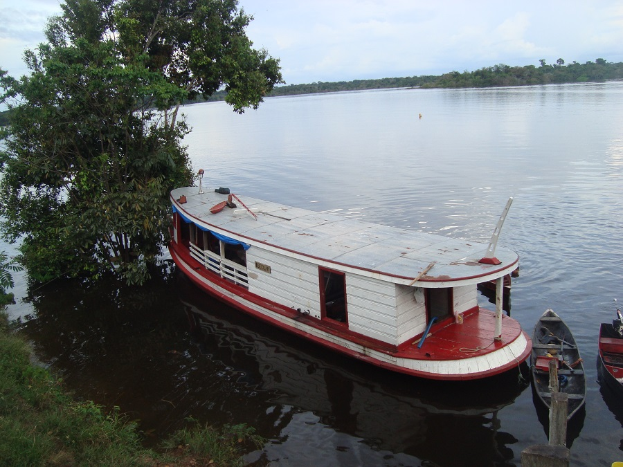 Barco escola Amazonas
