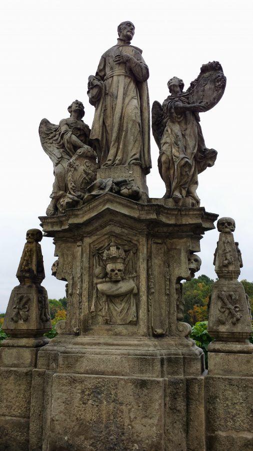 Via Barborská com as estáruas de jesuítas