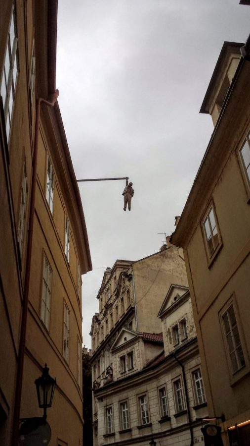Hanging out - David Cerny