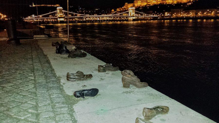 Sapatos a beira do Danúbio - Budapeste