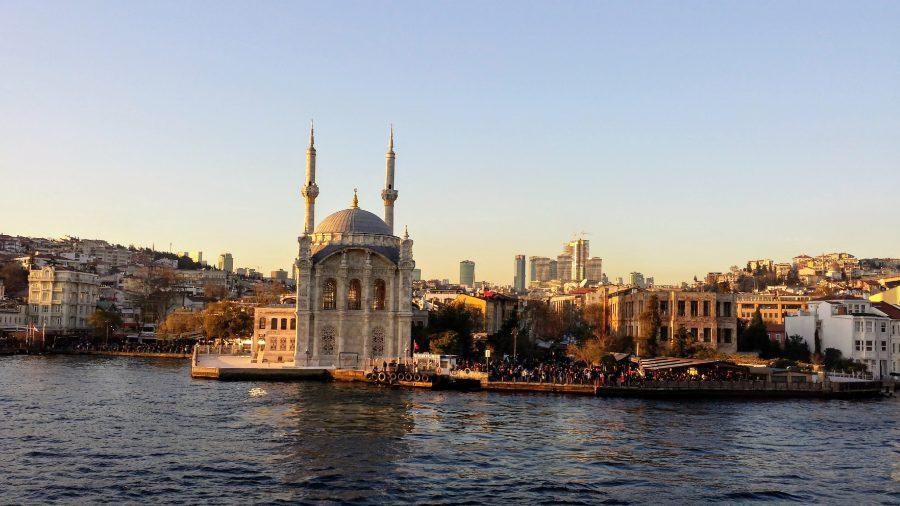 Mesquita Ortakoy em Istambul