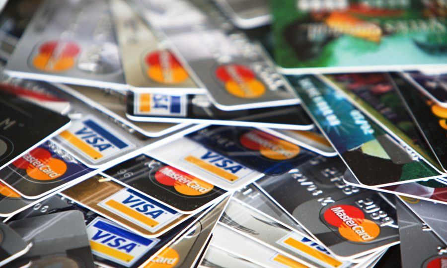 sacar no exterior usando cartão de débito